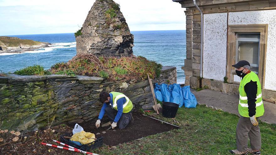 Comienza la restauración de la muralla de La Atalaya, en Luarca