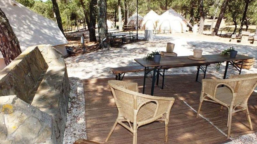 El camping de Los Villares incorpora una zona destinada a vehículos 'campers'