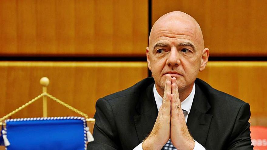 La FIFA se une a la OMS y pide un acceso justo a las vacunas