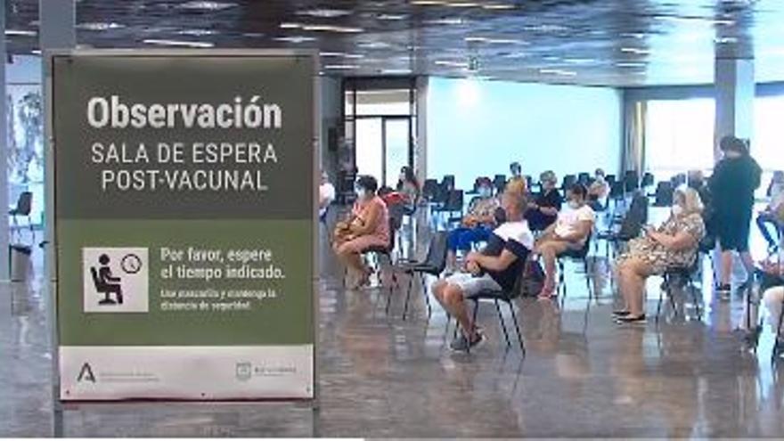 El Palacio de Congresos de Torremolinos abre como centro de vacunación masiva
