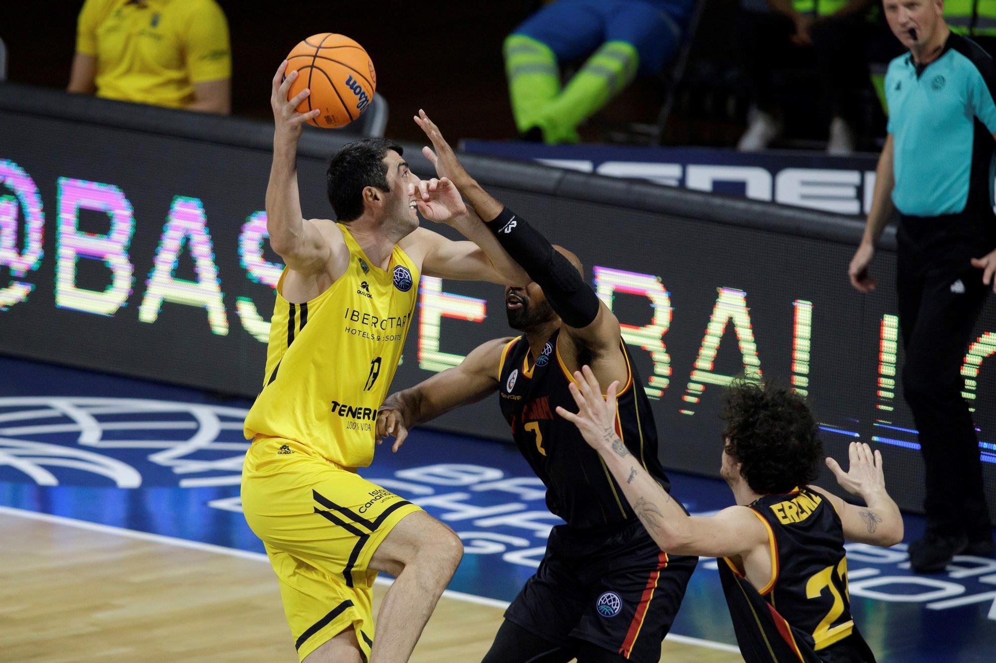 El Iberostar Tenerife gana con solvencia al Galatasaray (85-72)