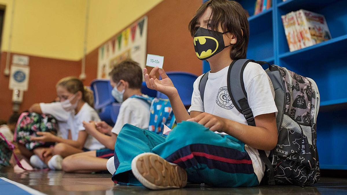 Alumnos tinerfeños el primer día de colegio en el mes de septiembre. | | CARSTEN W. LAURITSEN