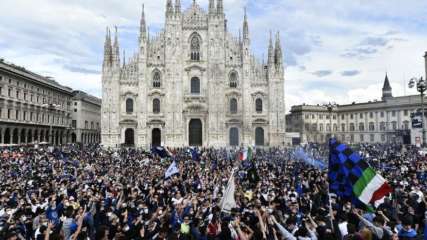 El Inter de Milán conquista la liga italiana y los aficionados toman las calles