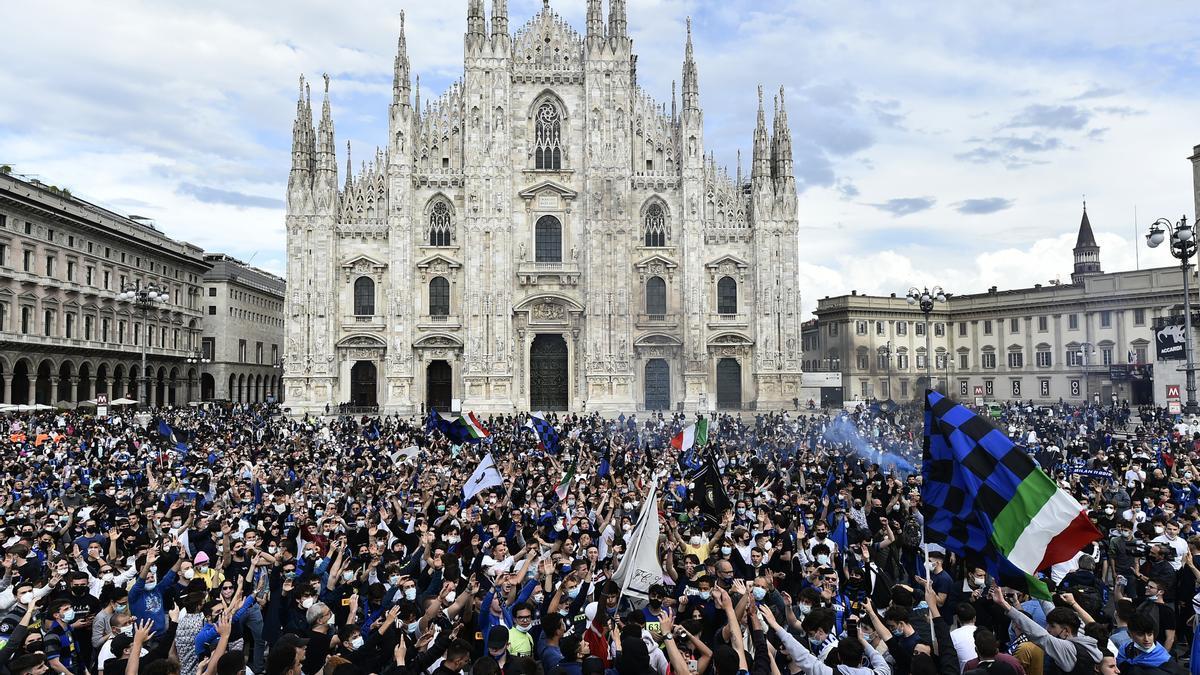 Los seguidores del Inter han tomado las calles de la ciudad. / REUTERS