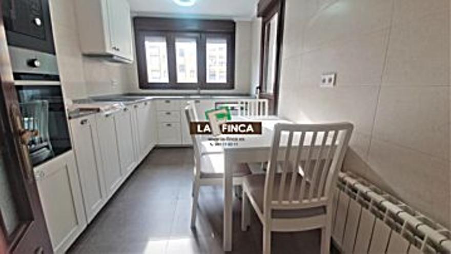 185.000 € Venta de piso en Montecerrado, Buenavista, El Cristo  (Oviedo) 102 m2, 3 habitaciones, 2 baños, 1.814 €/m2...