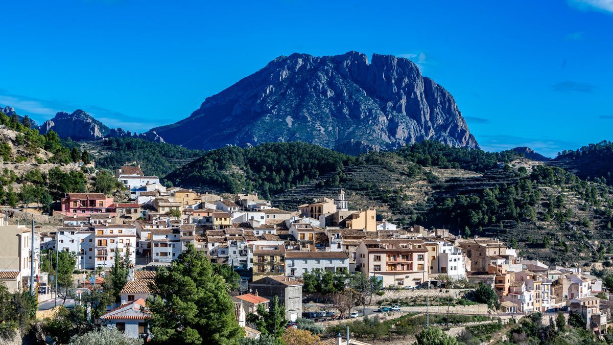 A panoramic view of the municipality of Sella.