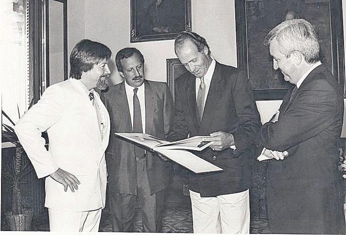 El Rey con el expresidente del Govern Gabriel Cañellas.jpg