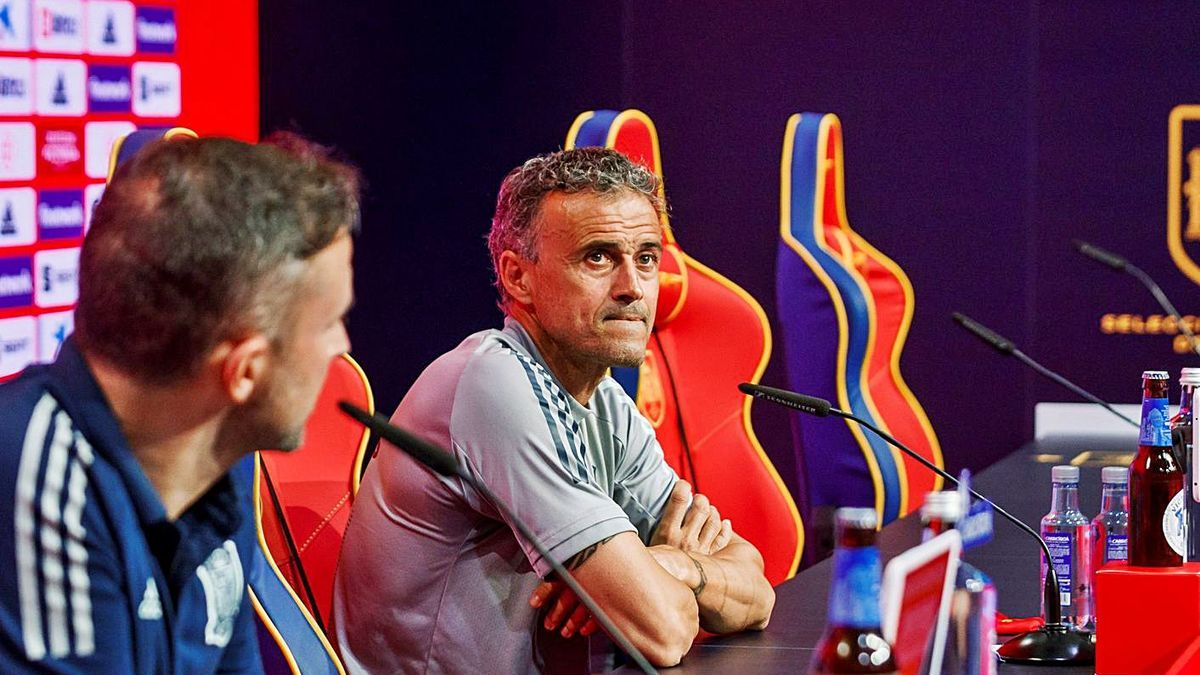 Luis Enrique Martínez, ayer, durante la rueda de prensa en Las Rozas . |  // RFEF