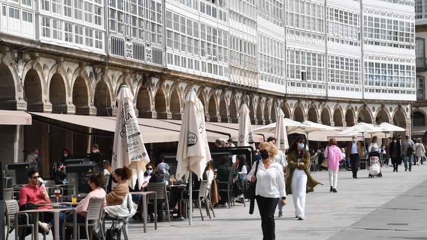 Galicia se abre, la hostelería ampliará horarios y solo los municipios en peor situación seguirán cerrados