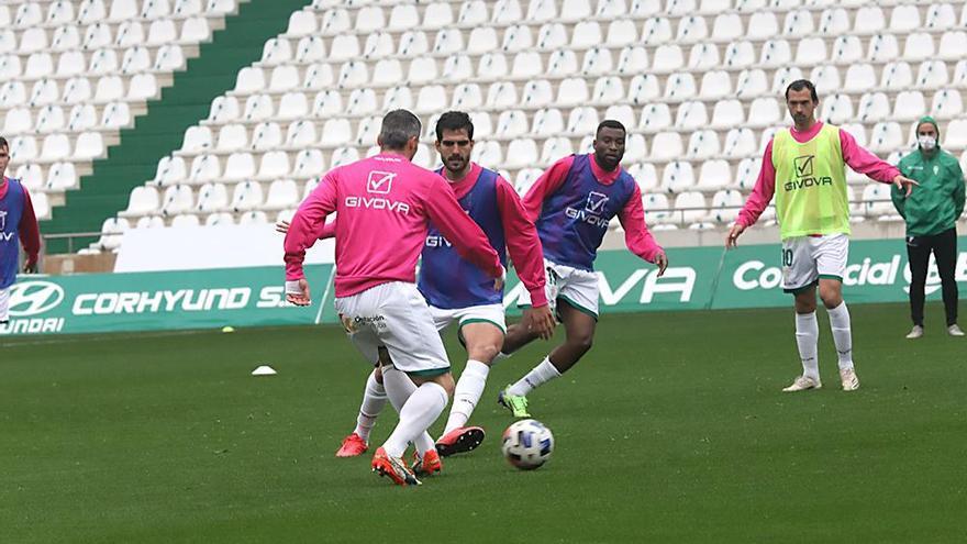 El Córdoba CF regresa a la pelea sufriendo ante el Linares Deportivo