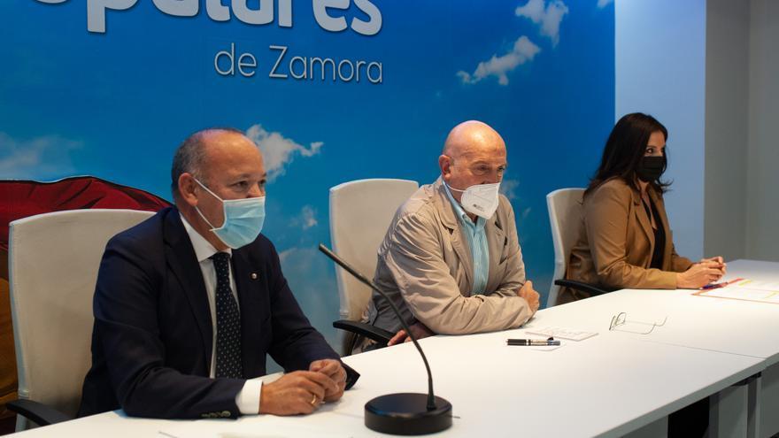 """El PP espera conseguir medidas cautelares contra la protección del lobo """"en las próximas semanas"""""""