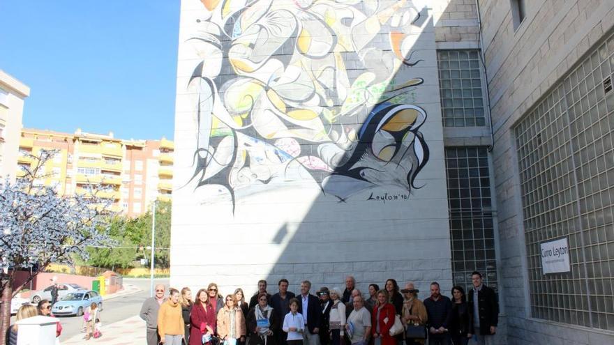 Una obra abstracta se suma a la Ruta de Murales Artísticos de Estepona