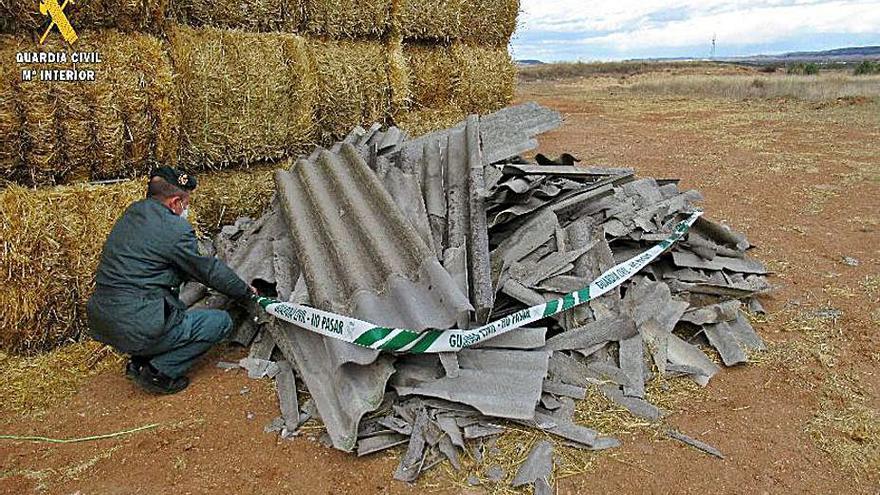 Investigan un vertido de restos tóxicos en una finca de Palencia