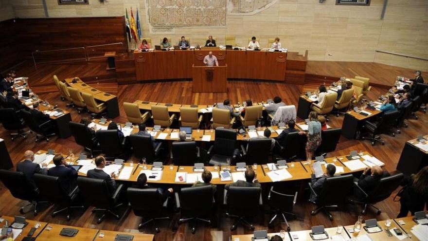 La Junta insiste en un acuerdo previo de la Asamblea de Extremadura para cerrar la deuda histórica
