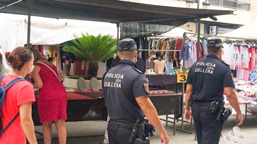 La Policía de Cullera controla el uso de la mascarilla