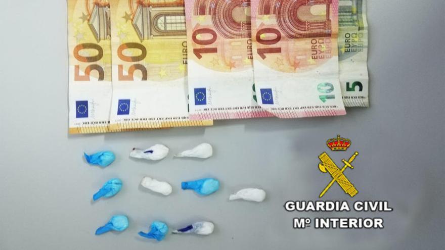 Detenido un vecinos de Mos con nueve dosis de cocaína escondidas en la zapatilla