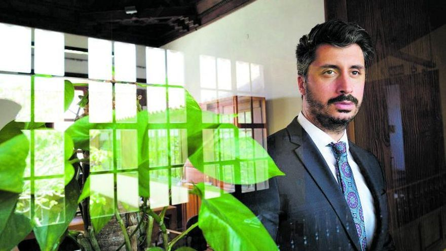 «La Laguna tiene tres líderes y un alcalde, que soy yo»