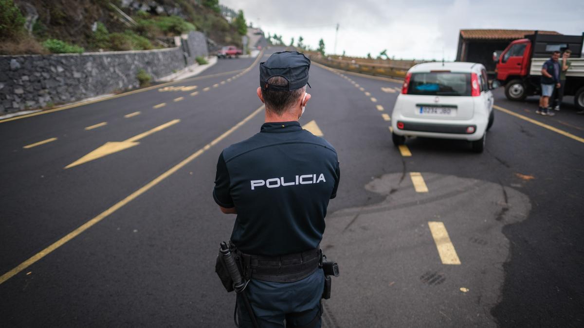 Control policial en La Palma.