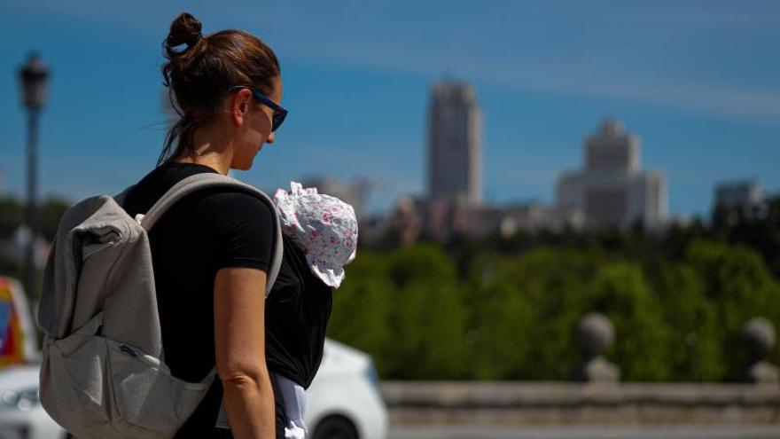 Bajan un 24,1 % los nacimientos en Canarias en enero respecto a 2020