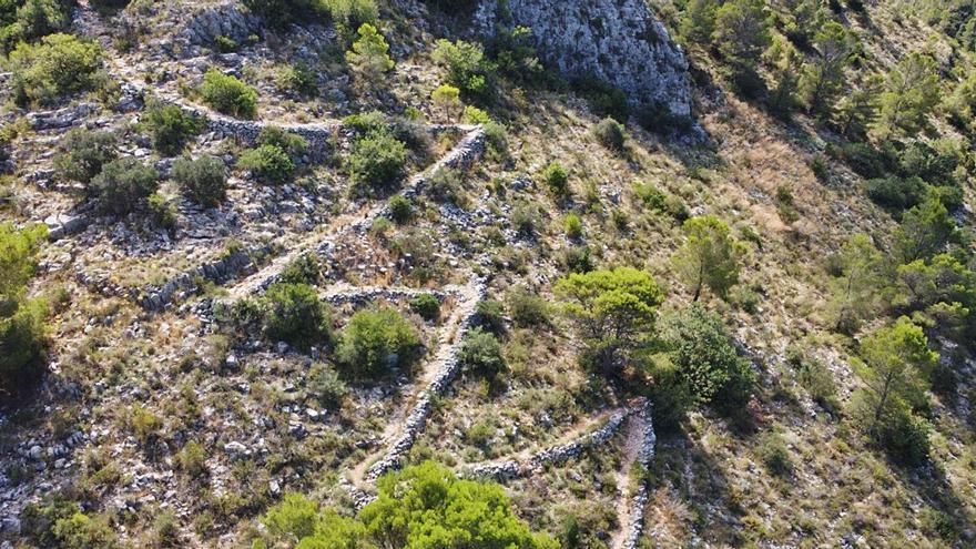 Tavernes de la Valldigna protege la cultura de su piedra seca