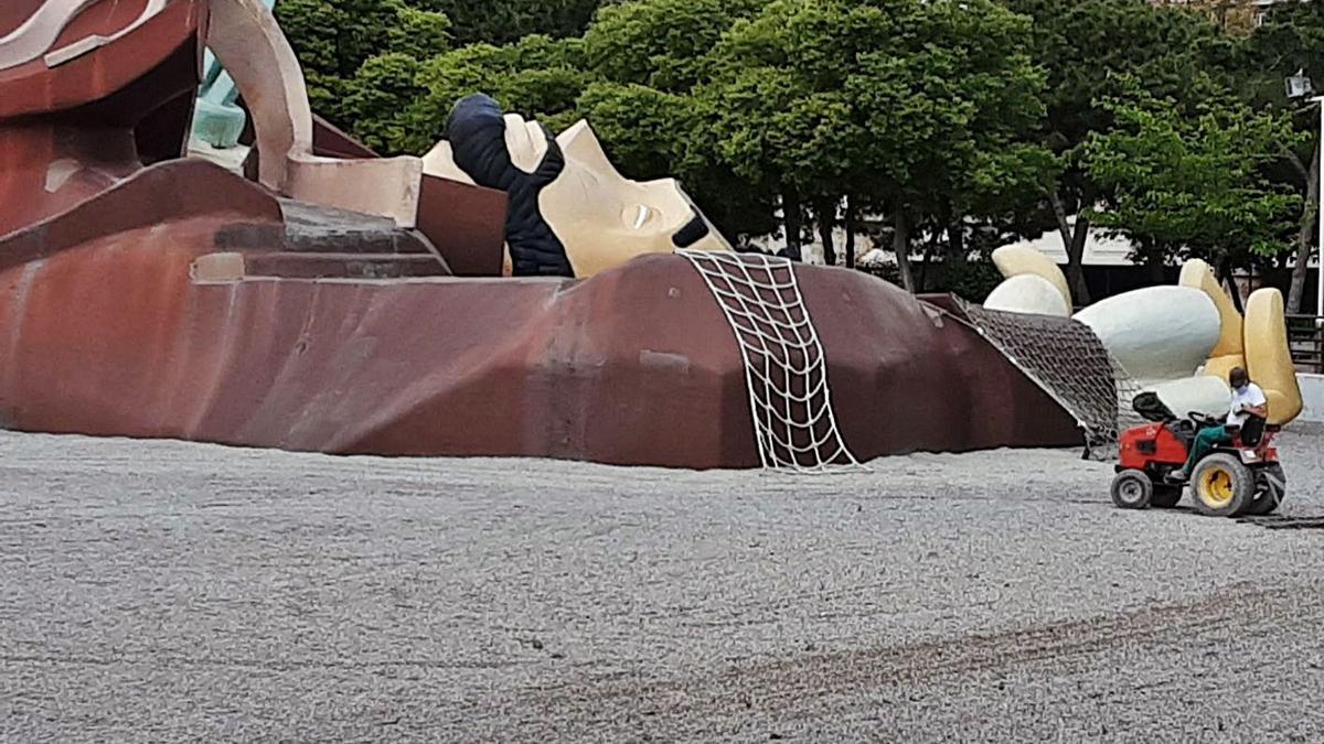 El Servicio de Jardinería  ha preparado el parque para su  reapertura.