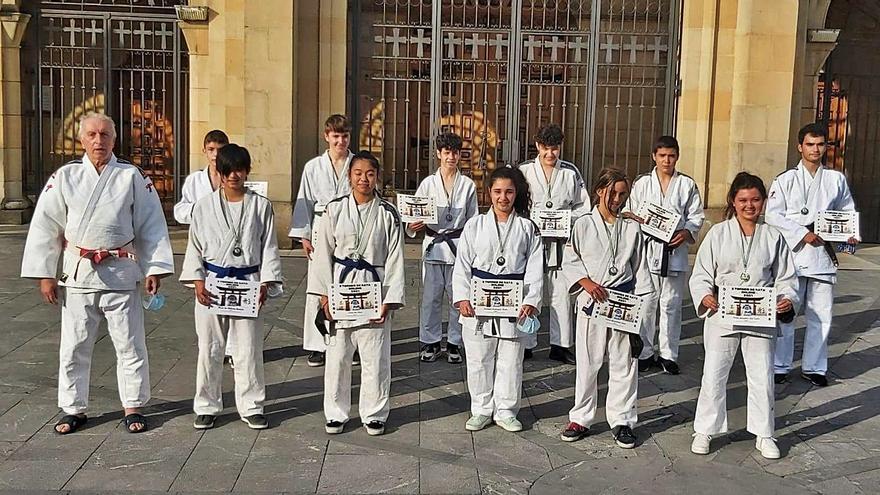 Gran actuación de infantiles y cadetes del Gandoy en el Regional de katas