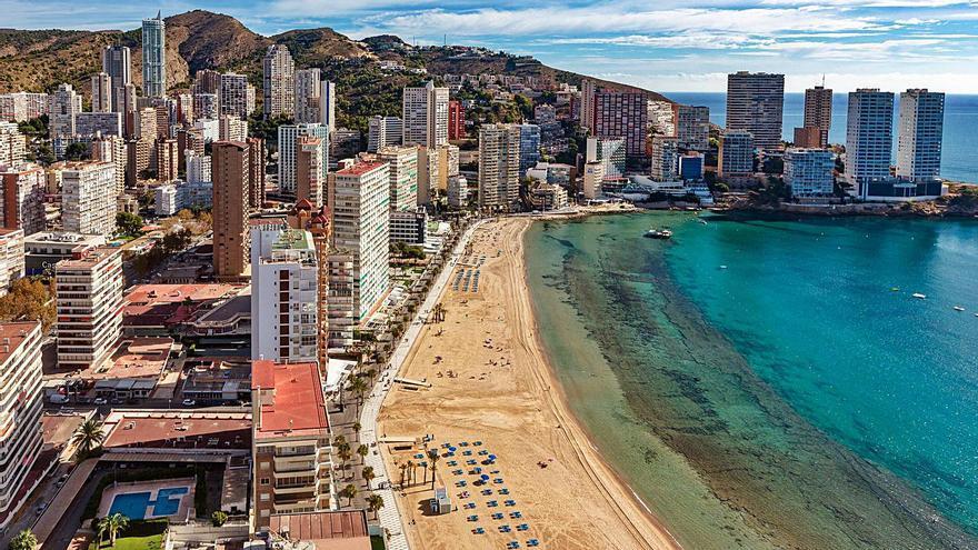 Los municipios turísticos reclaman recibir financiación en función del IVA que generan