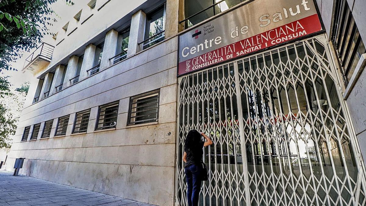 Exterior del centro de salud de Muro, del que dependen Beniarrés, Gaianes, L'Orxa y Alcosser.