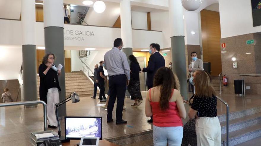 La Xunta podrá obligar a los funcionarios a cambiar de puesto y consellería
