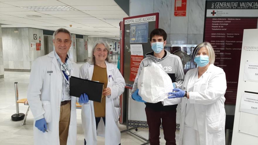 El Hospital de Xàtiva instaura un protocolo para hacer llegar objetos personales a los pacientes en aislamiento