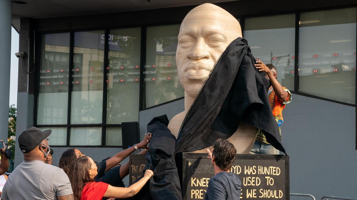 Estatua de George Floyd en Brooklyn.