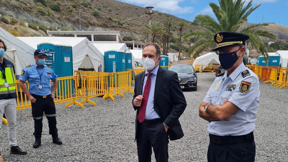 Visita del direcror del Frontex a las instalcaiones de Barranco Seco