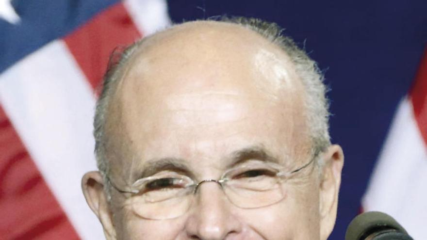 """""""La verdad no es la verdad"""", de Giuliani, elegida frase del año"""