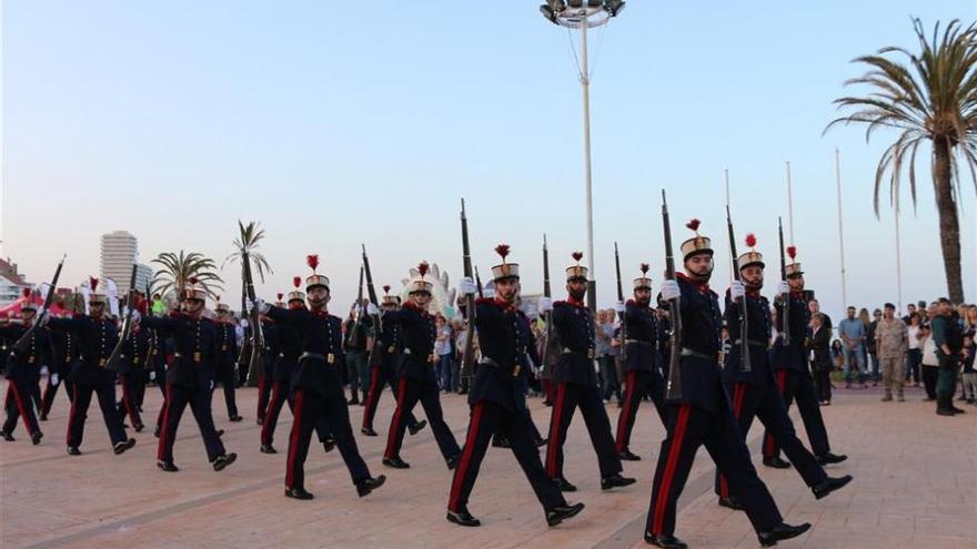 La Guardia Real causa furor en su visita a Castellón