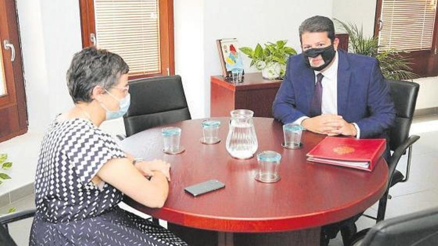 La reunión de España y Gibraltar enciende la polémica entre Gobierno y oposición