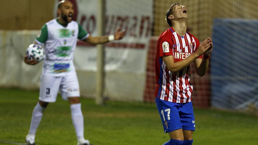 El Sporting sufre para eliminar al Quintanar del Rey de Tercera en la Copa del Rey