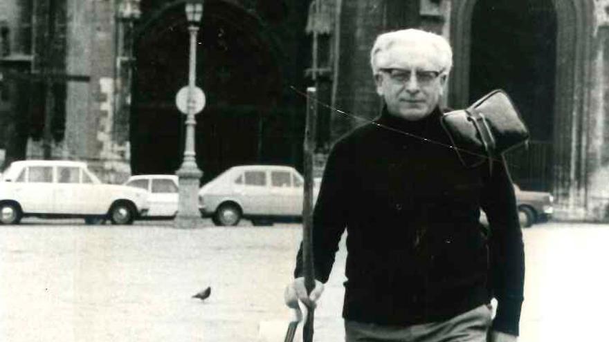 Herbert Simon, l'alemán pioneru en facer el camín de Santiago per Asturies
