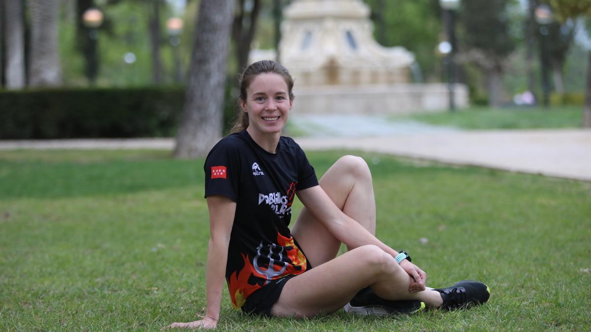 Marta Borbón posa para este diario en el parque José Antonio Labordeta