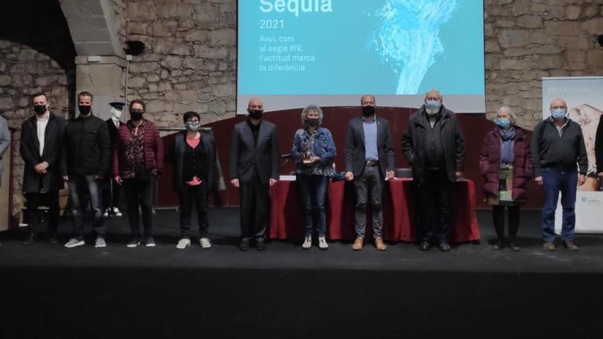 Emotiu premi Sèquia a Fina Farrés i a la ciutadania que va ajudar en els moments més incerts de la pandèmia