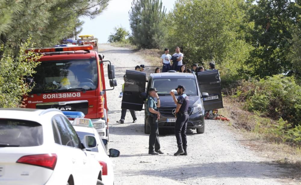 Fallece un joven conductor de un camión tras caer por un terraplén en Mos