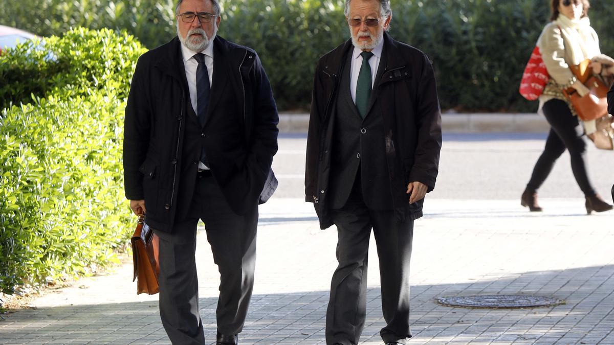 El exvicealcalde de València, Alfonso Grau, llega a la Ciudad de la Justicia en el juicio en el que fue condenado por blanqueo y cohecho.