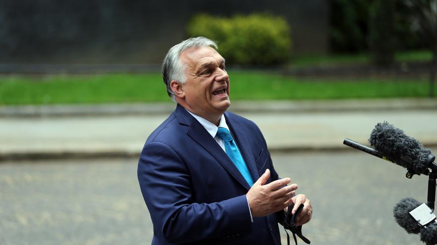 Von der Leyen advierte a Orban de que habrá represalías si no cambia su ley homófoba