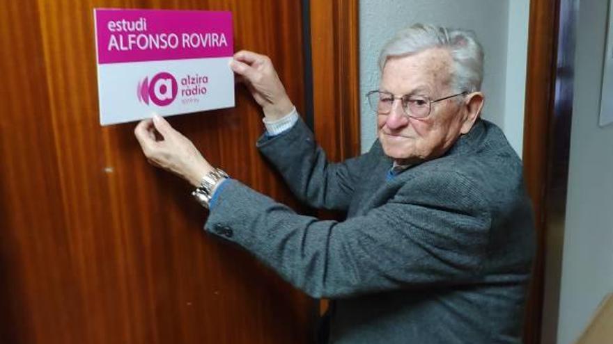 Alzira Ràdio dedica en su 25.º aniversario un estudio a Rovira