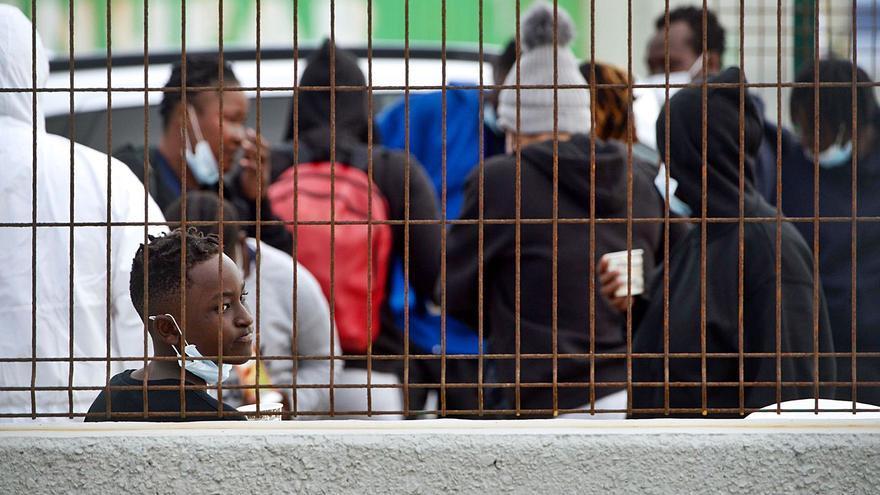 Canarias llega al límite en  la acogida de menores