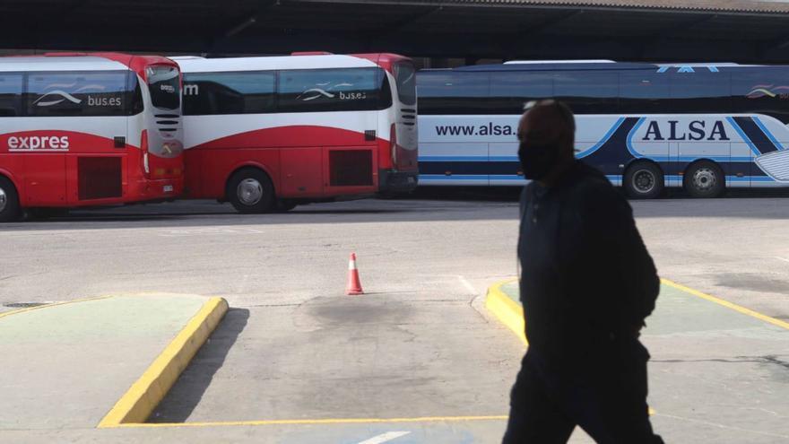La Generalitat ofrece 8.400 euros por autobús para paliar las pérdidas