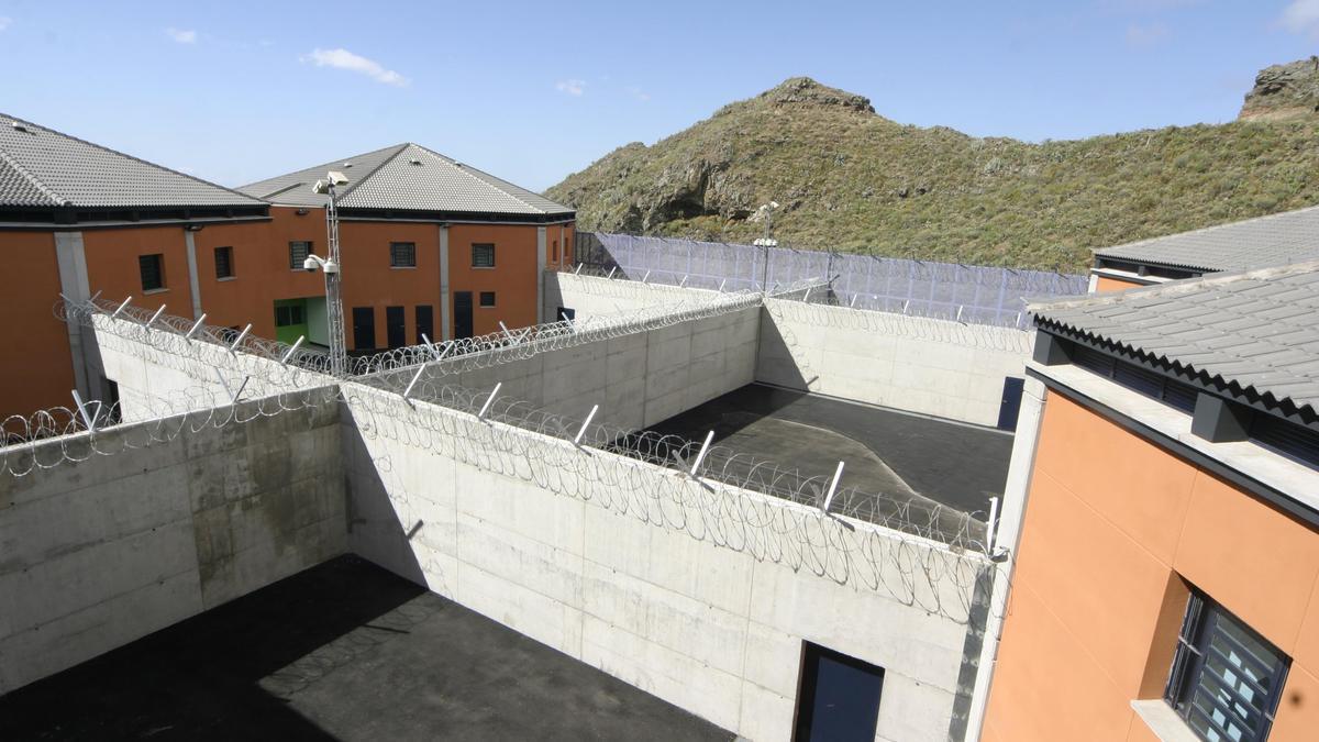 Vigilantes del centro Valle Tabares cobrarán dos años de atrasos