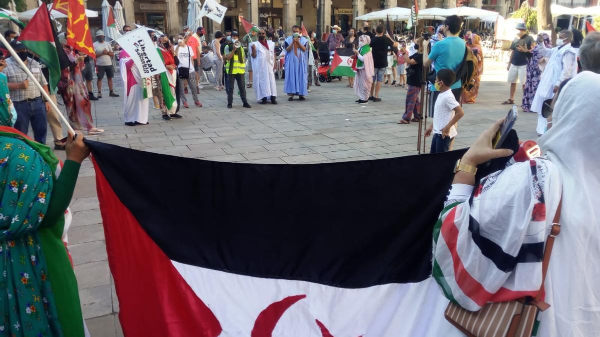 La marcha, ayer, en Logroño.