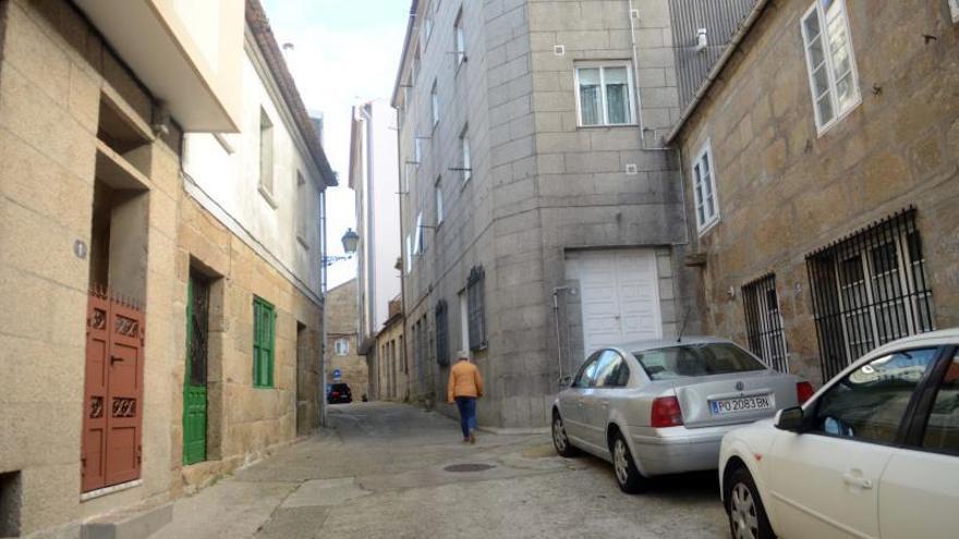 La renovación urbana del conjunto histórico de Cambados continúa por la calle Manuel Murguía