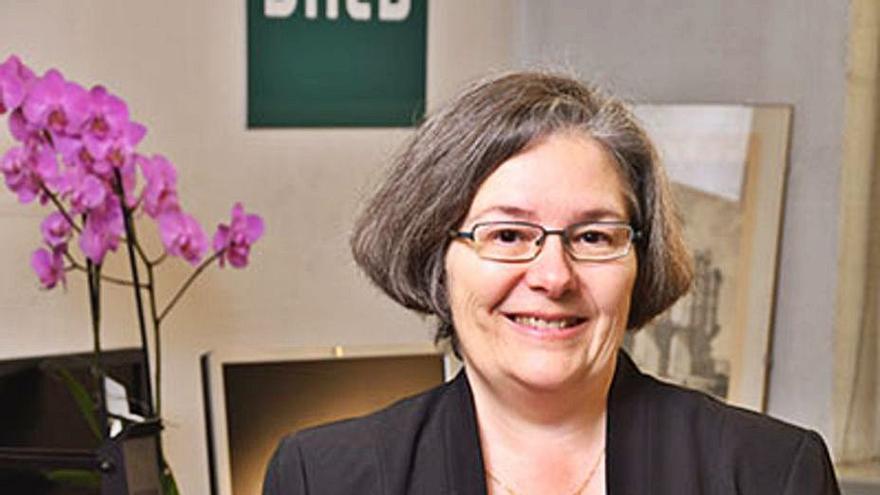 """La profesora Nancy Kovalinka, en la UNED: """"La configuración familiar tradicional de padre, madre e hijo ya no es la mayoritaria"""""""