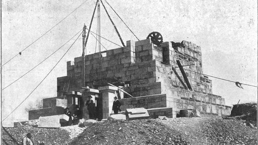 La azarosa historia del monumento de Monteferro, en fotos